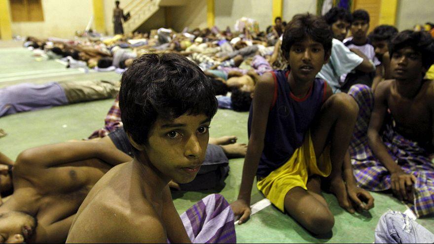 Indonésia: 400 imigrantes resgatados do mar