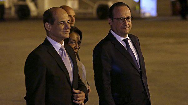 """Hollande a Cuba: """"Dopo la decisione di Obama, pronti ad aiutarvi a cambiare"""""""