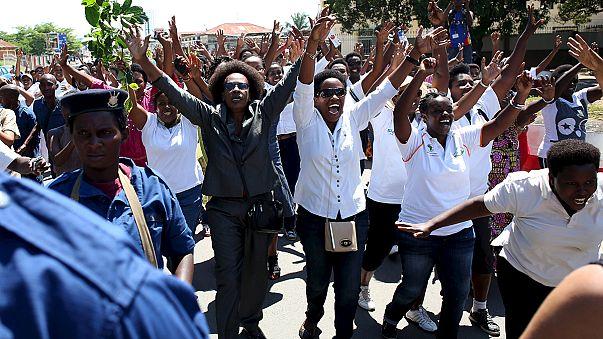Las mujeres burundesas se movilizan en contra del tercer mandato del presidente del país