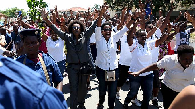 Burundi'de başkanın adaylığına tepkiler dinmiyor