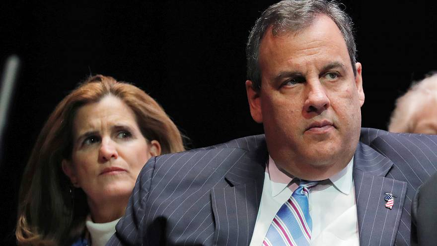 Image: Former New Jersey Governor Chris Christie and his wife, Mary Pat, li