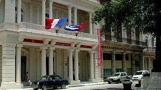 فرانسوا هولاند في زيارة تاريخية إلى كوبا