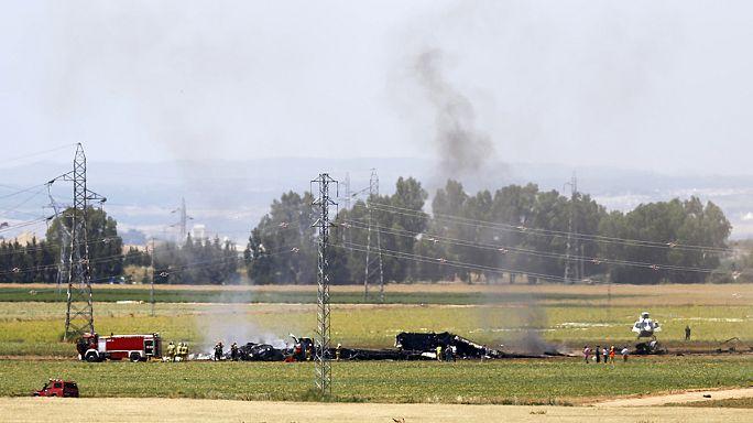 تواصل التحقيقات في أسباب تحطم طائرة عسكرية في إشبيلية