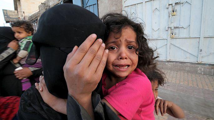 Lövik a húszi felkelők állásait Jemenben