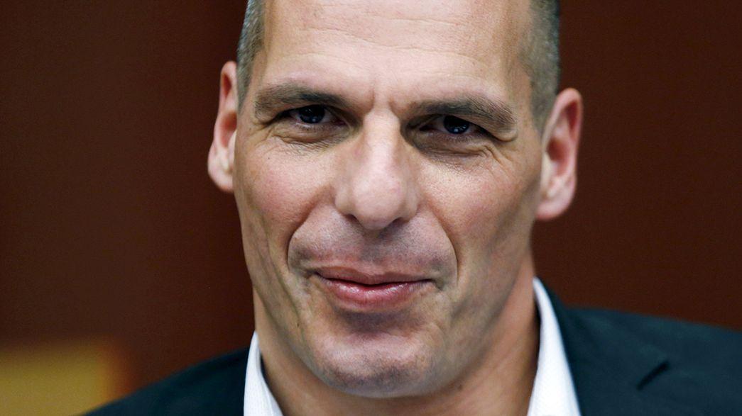"""Grécia paga ao FMI mas Eurogrupo pede """"mais esforços"""""""