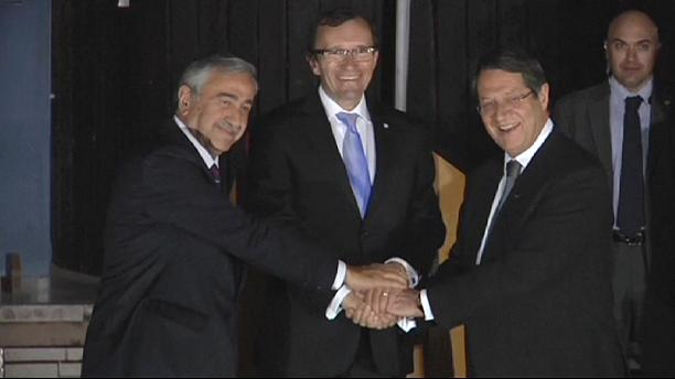 Cypriot leaders agree to push for peace
