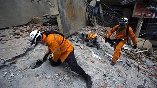 زلزله شدید در نپال و تخلیه ساختمانها در کاتماندو و مناطقی از هند