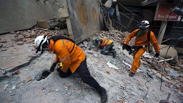 Újabb, nagy erejű földrengés rázta meg Nepált