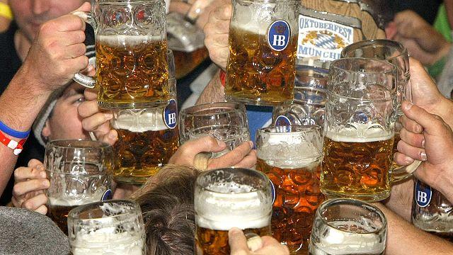 منظمة التعاون الاقتصادي والتنمية: العلاقة بين الانسان والكحول