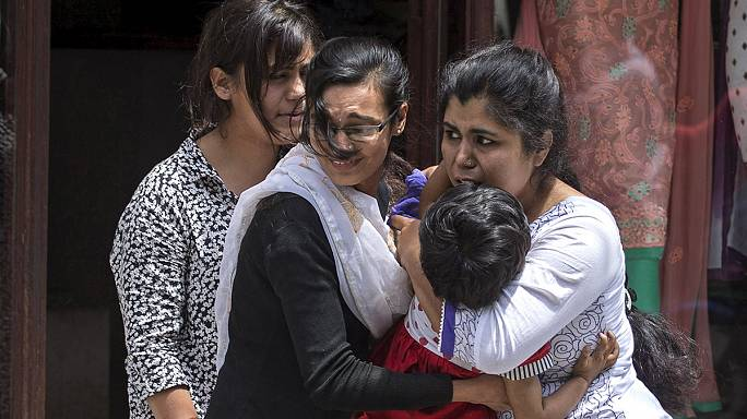 İkinci kez sallanan Nepal'de halk perişan