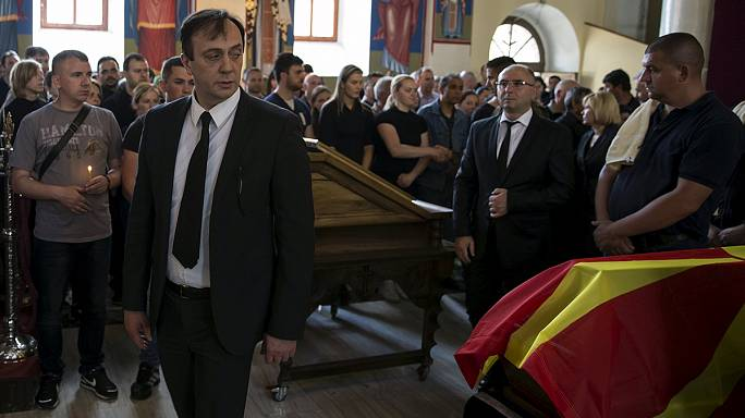 Macedónia: Dois ministros demitem-se