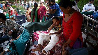 الهلع ينتاب النيباليين على إثر زلزال ثاني خلف المزيد من الخسائر