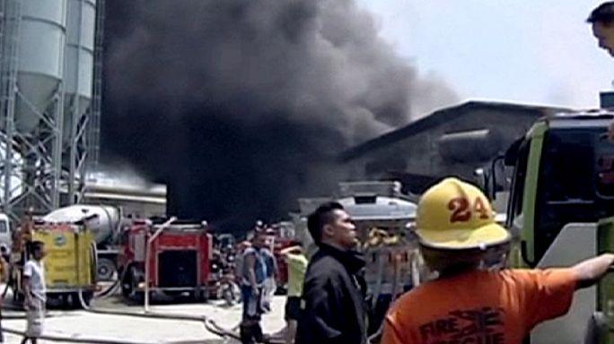 Tűz a manilai gumigyárban