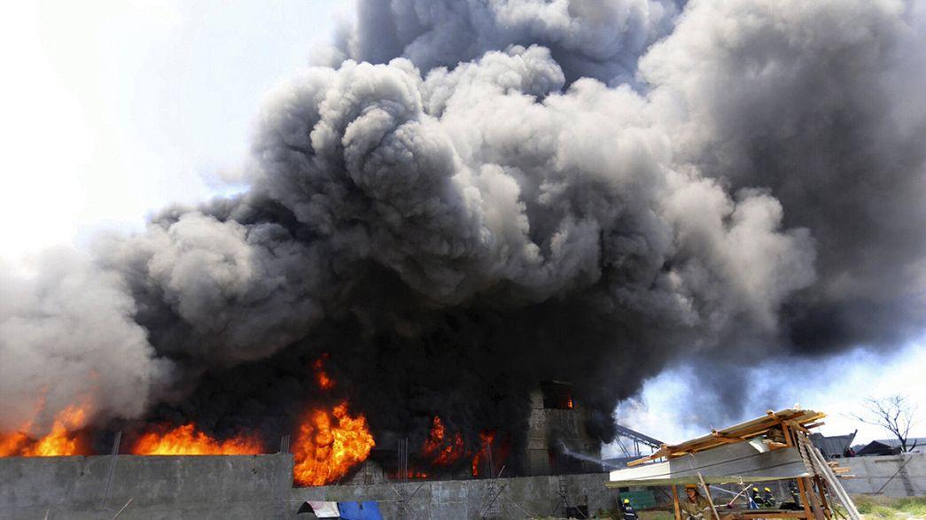 Schuhfabrik in Manila geht in Flammen auf