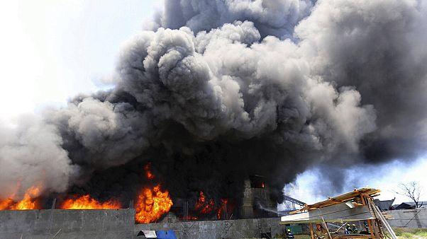 Filipinler'de plastik fabrikasında yangın: En az 70 ölü
