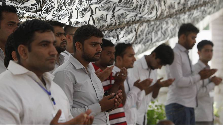 Pakistan mourns as funerals are held for Karachi bus victims