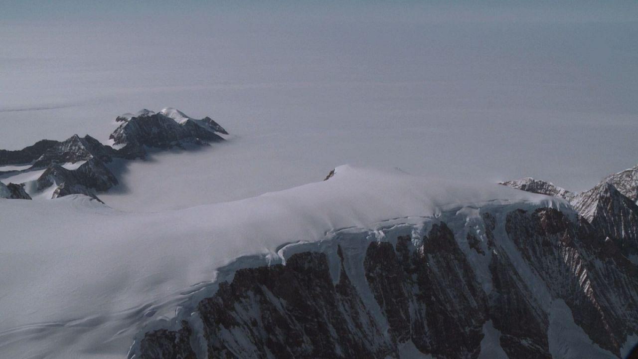 تاثیر آب شدن دیواره های یخی قطب شمال بر سطح آب اقیانوس ها