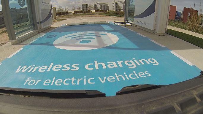 بحوث لتأسيس محطة لشحن السيارات الكهربائية لاسلكياً
