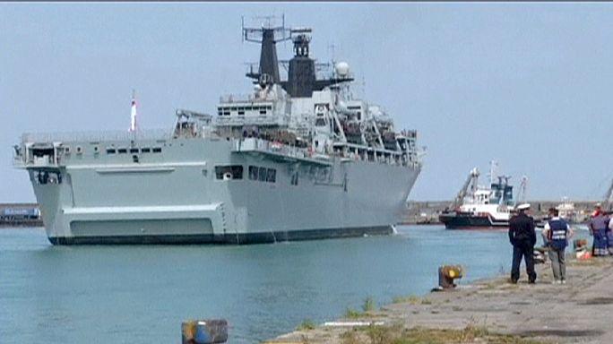 البحرية البريطانية تنقذ مئات المهاجرين غير القانونيين في البحر المتوسط