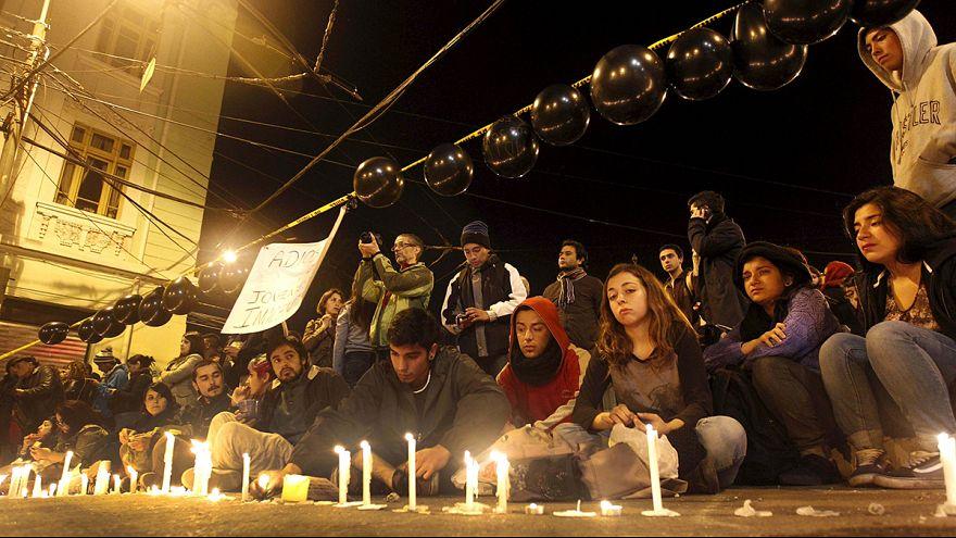 Şili'deki öğrenci gösterilerinde kan döküldü