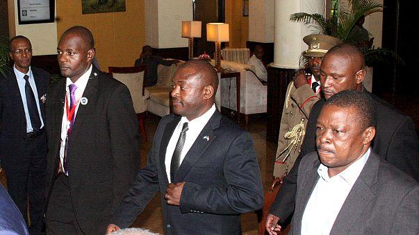 عودة الرئيس بيار نكورونزيزا إلى بوروندي بعد فشل محاولة الانقلاب