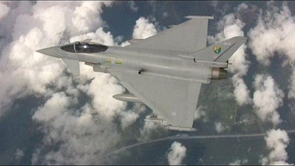 مقاتلات سلاح الجو الملكي البريطاني تعترض قاذفتي قنابل روسيتين شمالي أسكتلندا