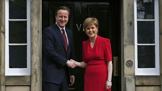 David Cameron ve Nicola Sturgeon İskoç parlamentosuna yetki devrini tartıştı