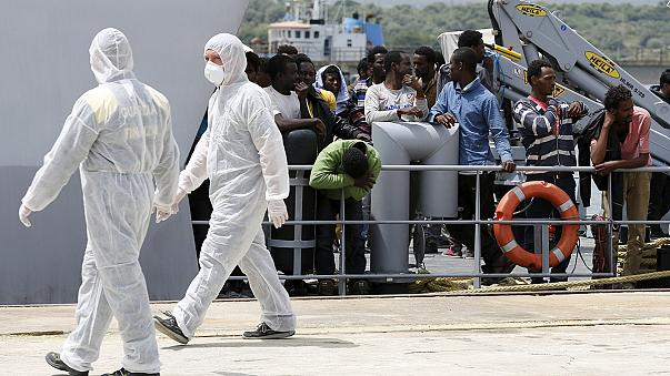 Akdeniz'de iki günde 3 bin 600 kişi kurtarıldı