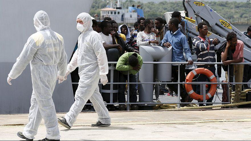 Немецкий корабль спас и доставил на Сицилию до 300 нелегалов