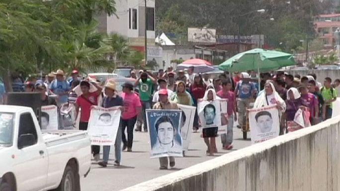 Meksikalı kayıp yakınları sokağa çıktı