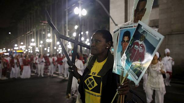 Des favelas en proie aux affrontements au Brésil