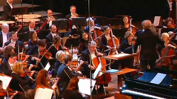 Un'orchestra americana si esibisce a Cuba, la prima volta dal 1930