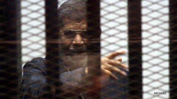 الحكم على الرئيس المصري المعزول محمد مرسي بالإعدام