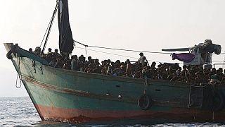 Ásia do Sul: Milhares de pessoas à deriva em alto-mar