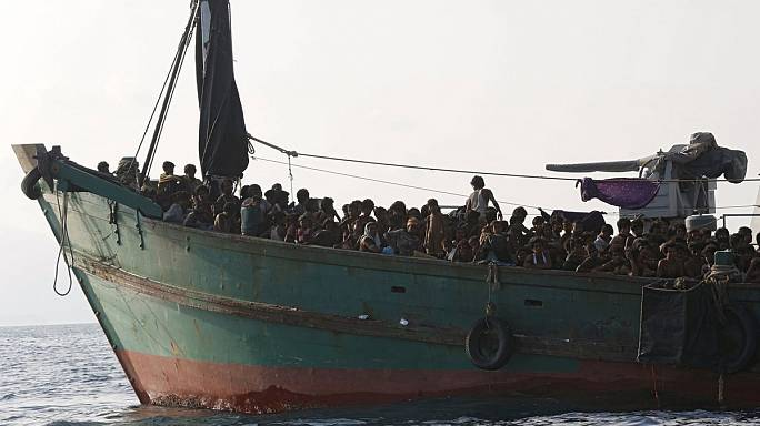 Se agrava la crisis en el sudeste asiático, con miles de inmigrantes a la deriva en el mar