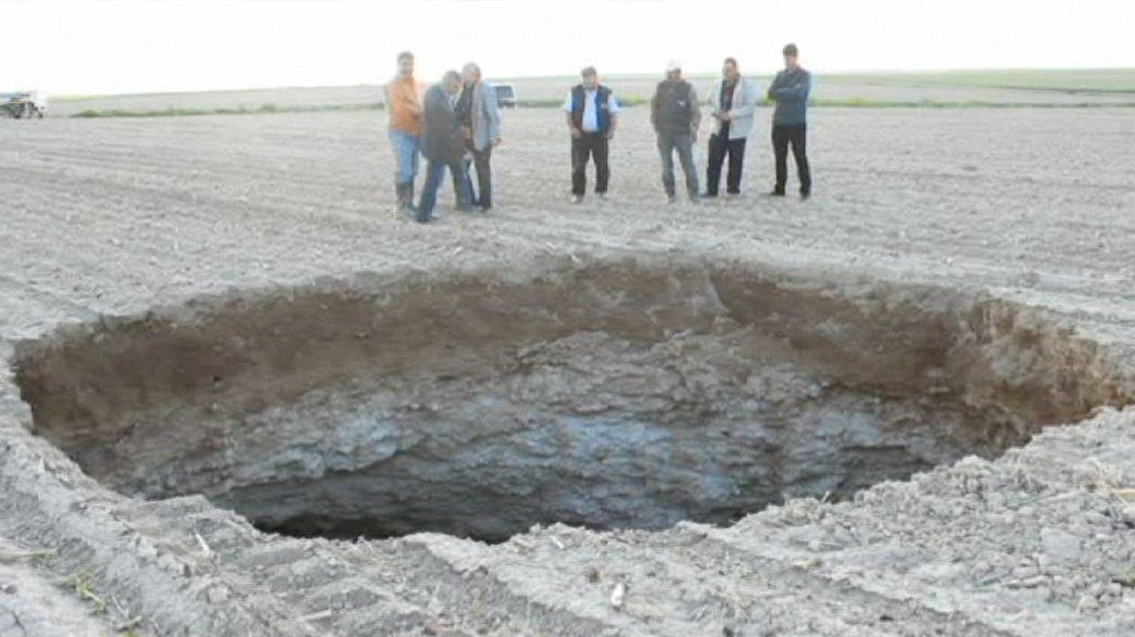 La tierra se abre en la provincia turca de Konya