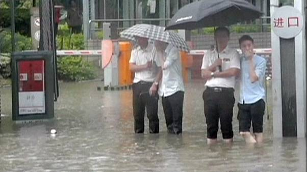 China: Fuzhou flooded as heavy rain lashes Fujian Province