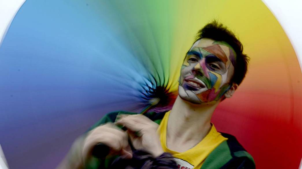 Russie : des militants célèbrent la journée mondiale de lutte contre l'homophobie