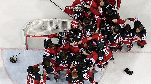 كندا تتوج بطلة للعالم في الهوكي على الجليد