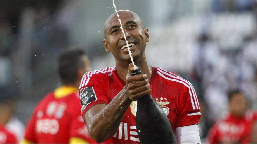 Liga Portuguesa, J33: Benfica campeão após empate do FC Porto no Restelo