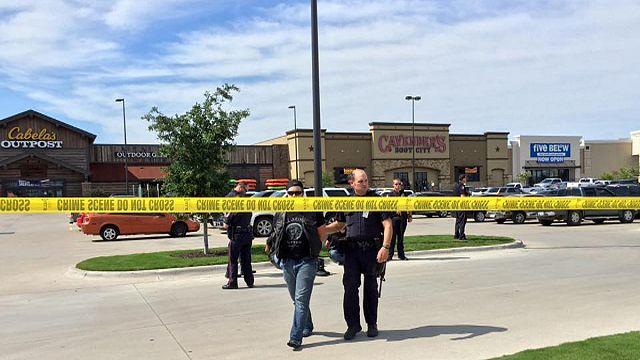 Rivális bandák lövöldöztek Texas-ban