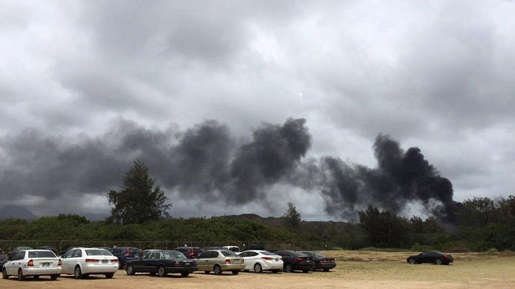 Hawaii: US-Militärflugzeug crasht am Strand - ein Toter