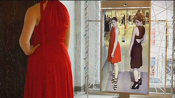 Memory mirror does away with changing room hassles