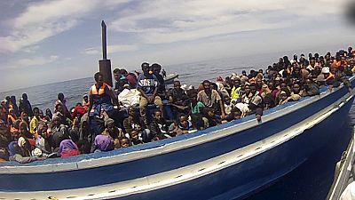Ministros da UE debatem missão contra imigração ilegal no Mediterrâneo