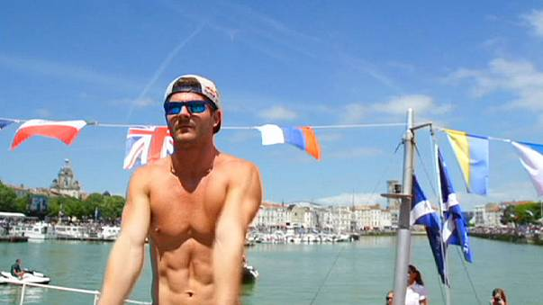 Hunt maintains perfect start to 2015 Cliff Diving World Series