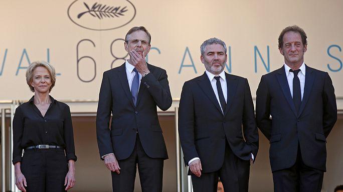 """في اليوم السادس من مهرجان كان: البساط الأحمر للفيلم الفرنسي"""" قانون السوق"""""""