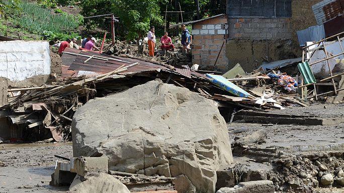 Toprak kaymaları Kolombiya'da felaket oldu