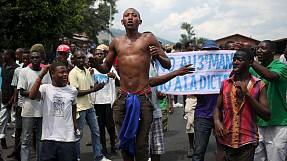 Violent demonstrations persist in Burundi