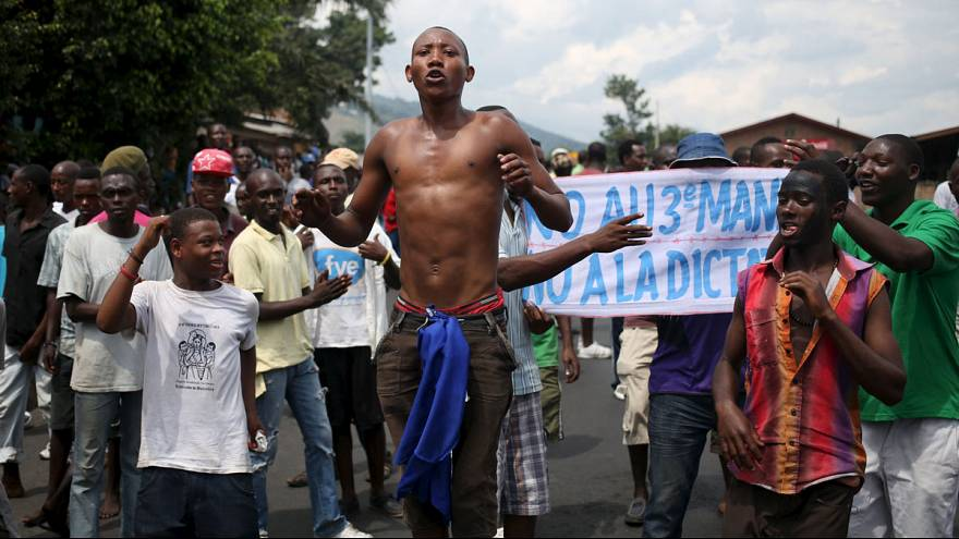 Violent demonstrations persist in Burundi