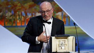 Cannes Film Festivali Altın Palmiye Ödül Töreni - canlı Altın Palmiye ödülünü ''Dheepan'' isimli filmiyle Jacques Audiard aldı.